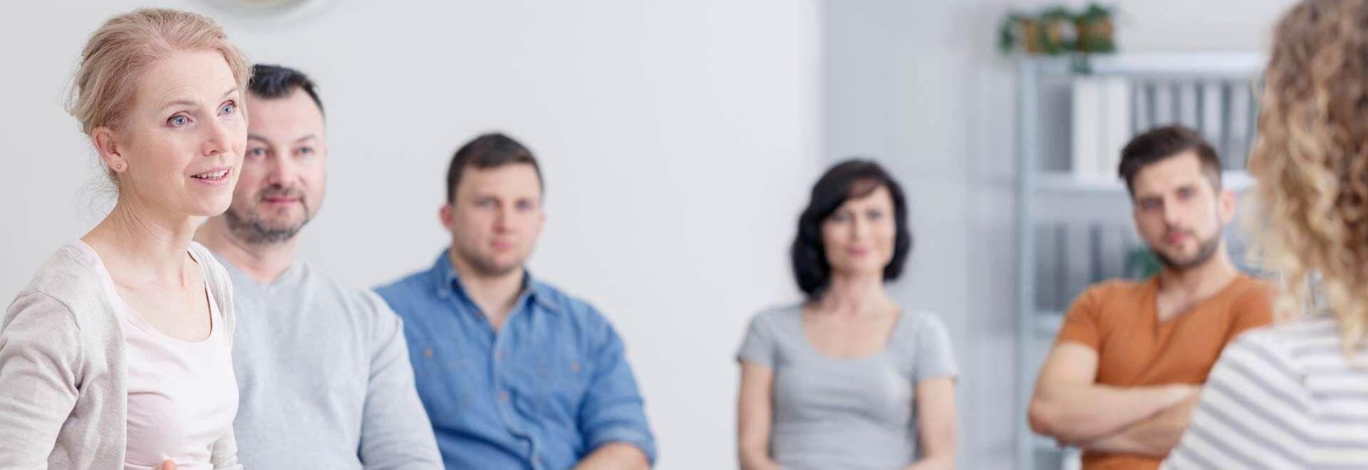 Klienten in einer Gruppentherapie